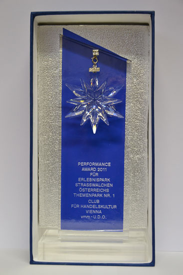 performance-award_02.jpg